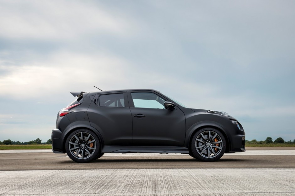 nissan juke r 2 0 le petit crossover qui a mang la gt r nismo photo 13 l 39 argus. Black Bedroom Furniture Sets. Home Design Ideas