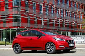 Nissan Micra rouge