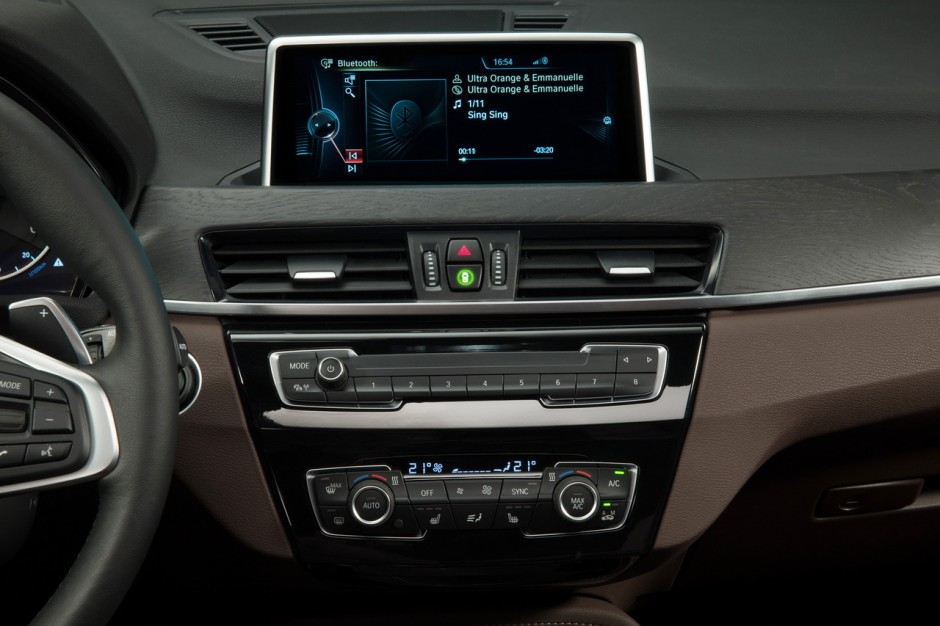 bmw x1 2015 premi res photos et vid o officielles photo 29 l 39 argus. Black Bedroom Furniture Sets. Home Design Ideas