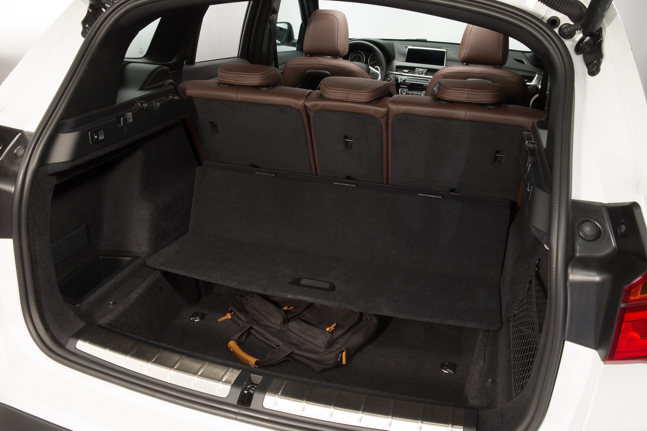 bmw x1 2015 premi res photos et vid o officielles photo 40 l 39 argus. Black Bedroom Furniture Sets. Home Design Ideas