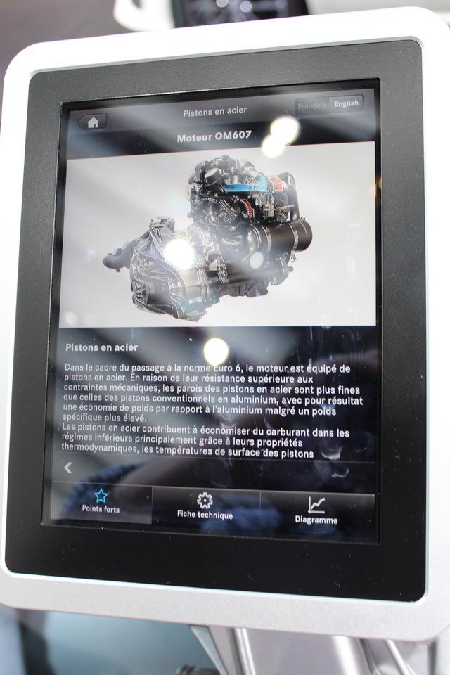 le nouveau moteur 1 5 dci renault sur le stand mercedes photo 1 l 39 argus. Black Bedroom Furniture Sets. Home Design Ideas