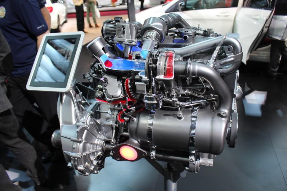 le nouveau moteur 1 5 dci renault sur le stand mercedes photo 3 l 39 argus. Black Bedroom Furniture Sets. Home Design Ideas
