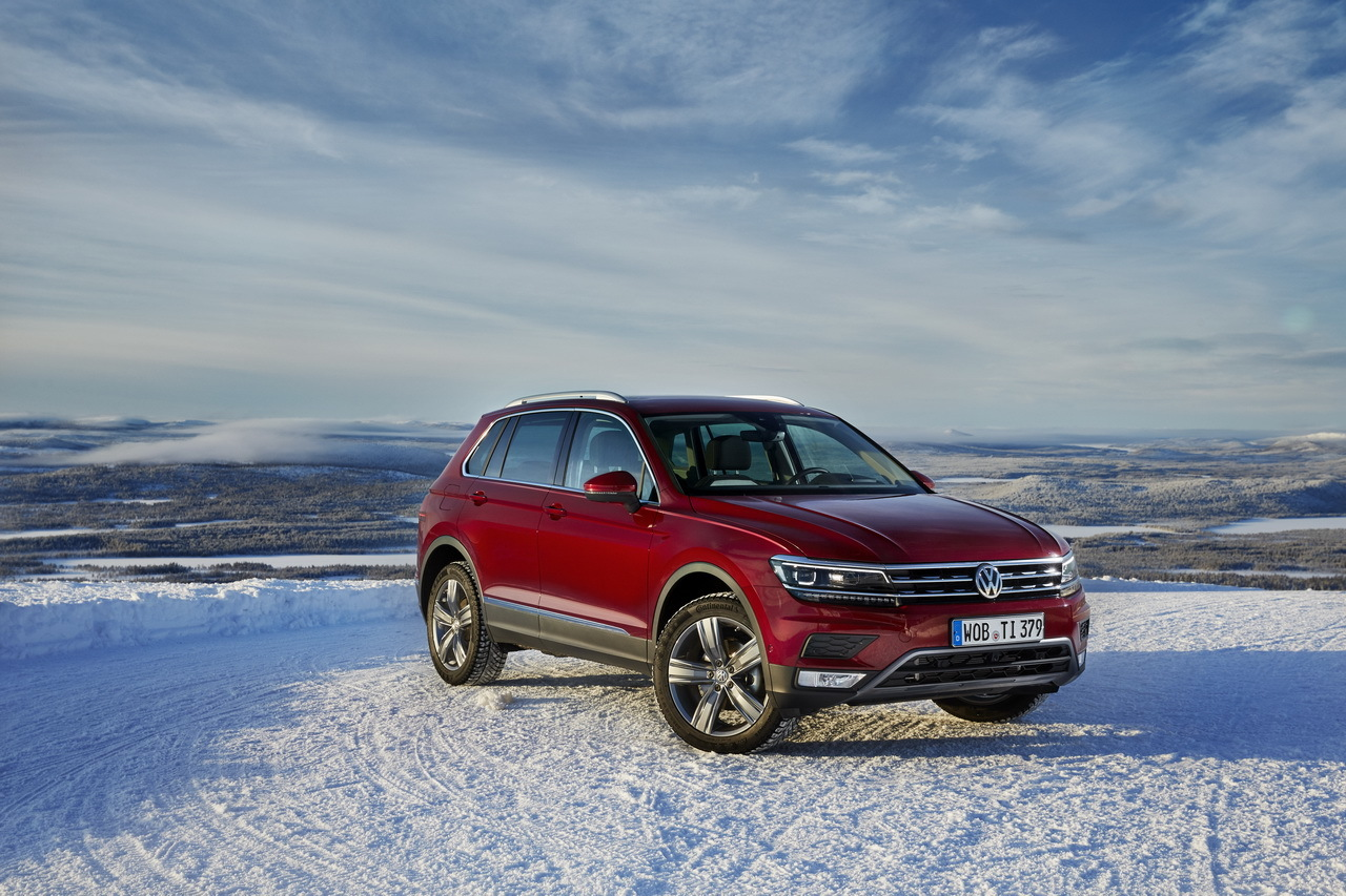 volkswagen tiguan 2016 nouvelle vid o sur la neige photo 2 l 39 argus. Black Bedroom Furniture Sets. Home Design Ideas