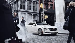 photo mise en scène rue de new york nouvelle cadillac ct6