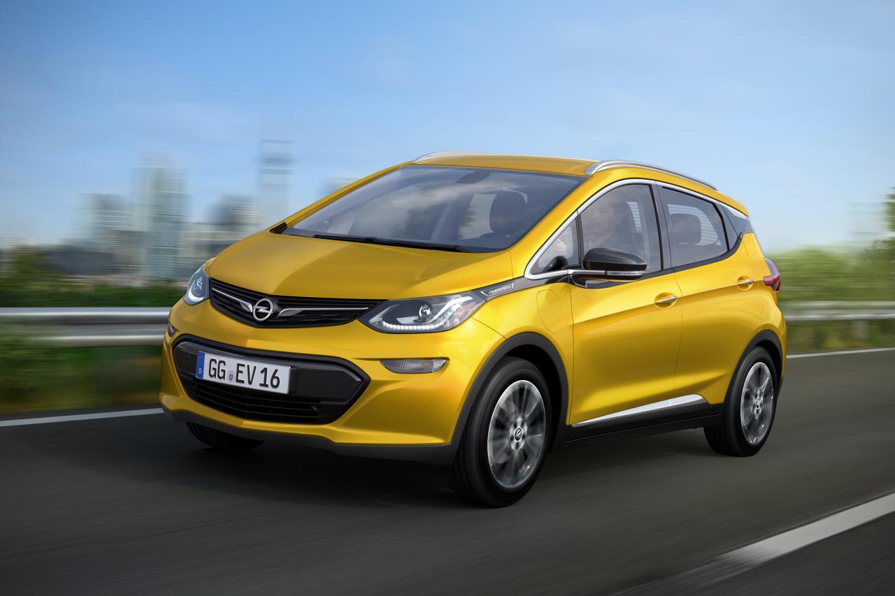 Opel Ampera e est la jumelle technique de la Chevrolet Bolt. Il s ...