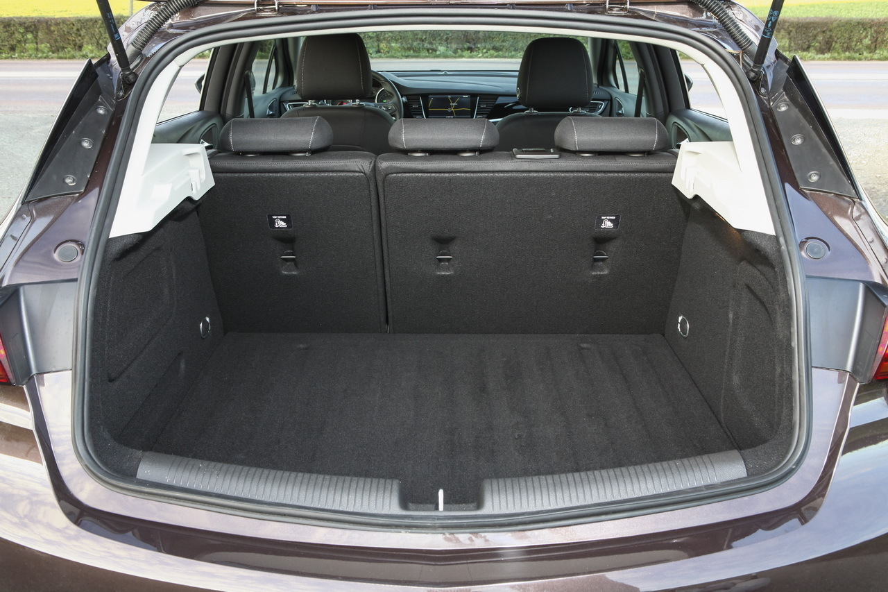 essai opel astra 1 4 turbo 125 le test de l 39 astra. Black Bedroom Furniture Sets. Home Design Ideas