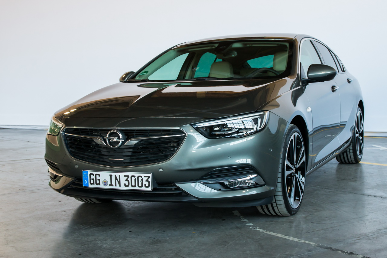 opel insignia grand sport 2017 l 39 d j bord en vid o photo 8 l 39 argus. Black Bedroom Furniture Sets. Home Design Ideas