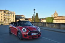 Mini John Cooper Works Cabrio 3/4 avant rouge