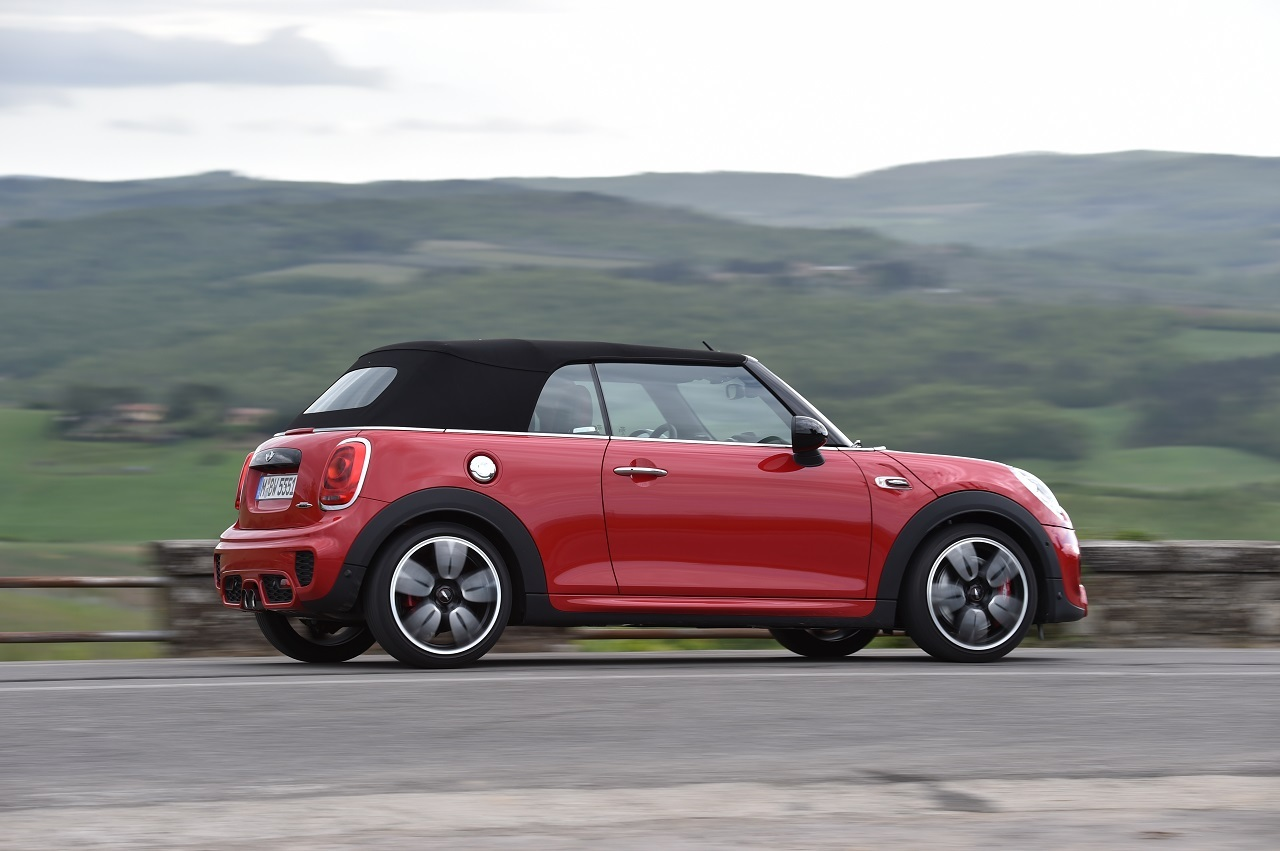 mini john cooper works cabrio 2016 tout ce qu 39 il faut savoir mini john cooper works cabrio. Black Bedroom Furniture Sets. Home Design Ideas