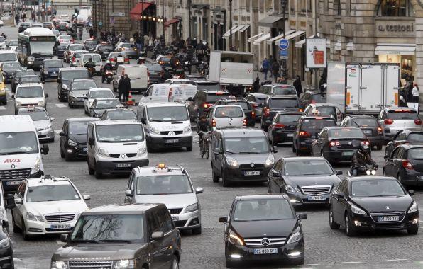 Circulation dense � Paris