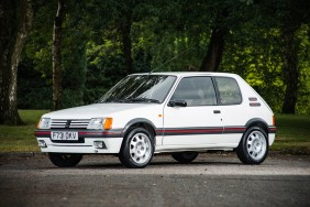 peugeot 205 GTi blanche