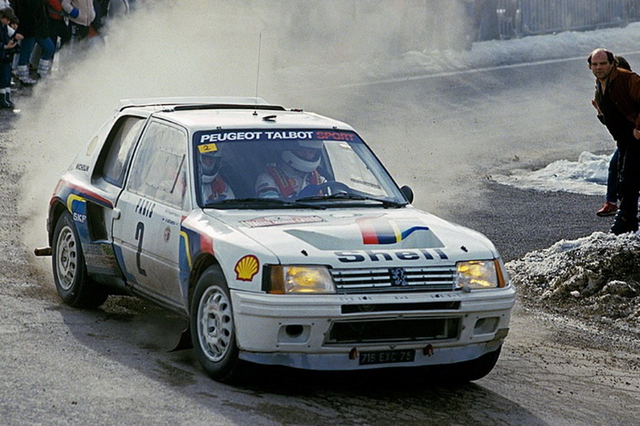 la peugeot 205 t16 d 39 ari vatanen vendre aux ench res l. Black Bedroom Furniture Sets. Home Design Ideas