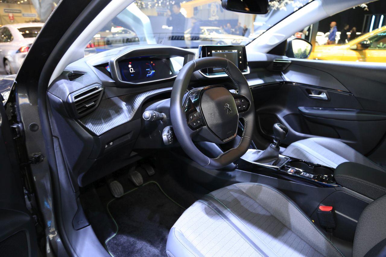 Peugeot 208 Allure 2019 Que Vaut La Finition Milieu De