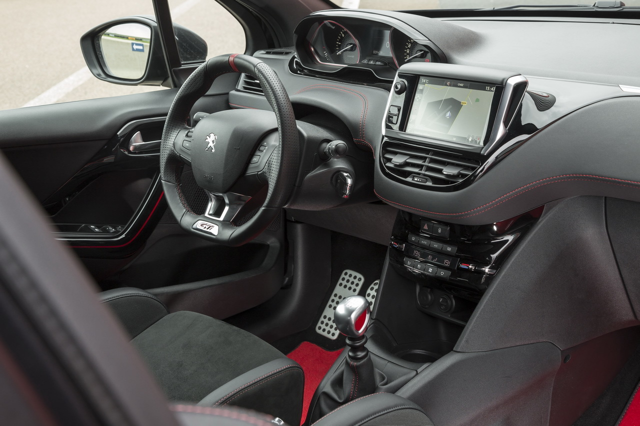 essai comparatif la ds3 performance d fie la 208 gti peugeot sport photo 78 l 39 argus. Black Bedroom Furniture Sets. Home Design Ideas