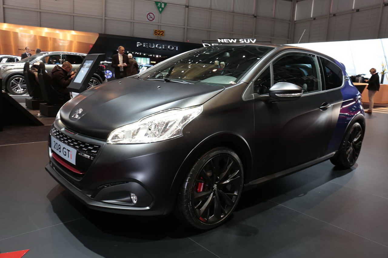 Les fran aises du salon de gen ve 2017 peugeot 208 gti for Salon 2018 france