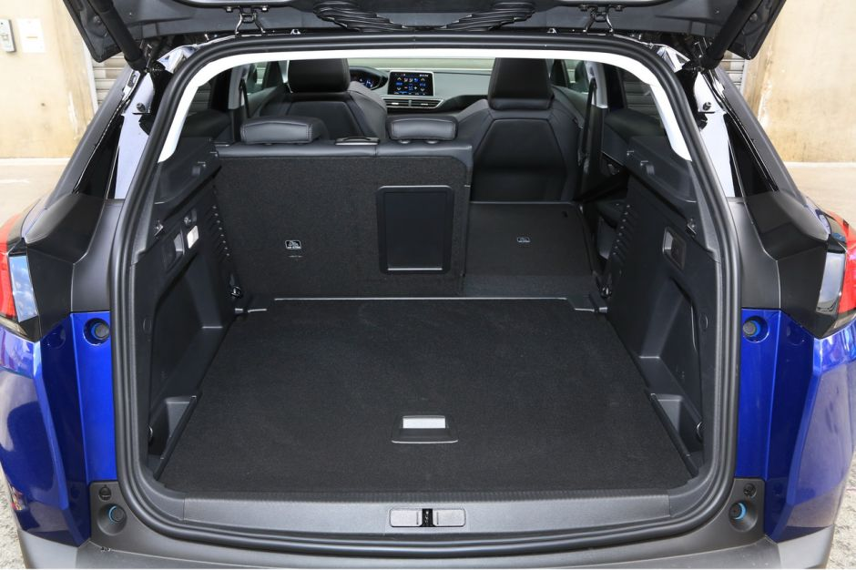 essai comparatif le peugeot 3008 bluehdi 130 d fie le nissan qashqai photo 52 l 39 argus. Black Bedroom Furniture Sets. Home Design Ideas