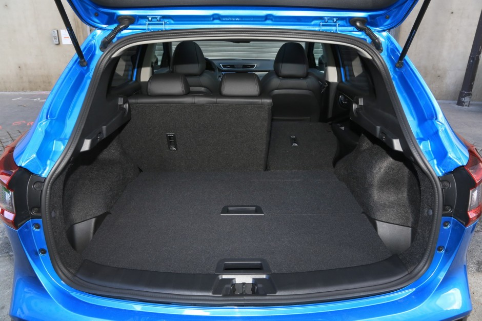 essai comparatif le peugeot 3008 bluehdi 130 d fie le nissan qashqai photo 71 l 39 argus. Black Bedroom Furniture Sets. Home Design Ideas