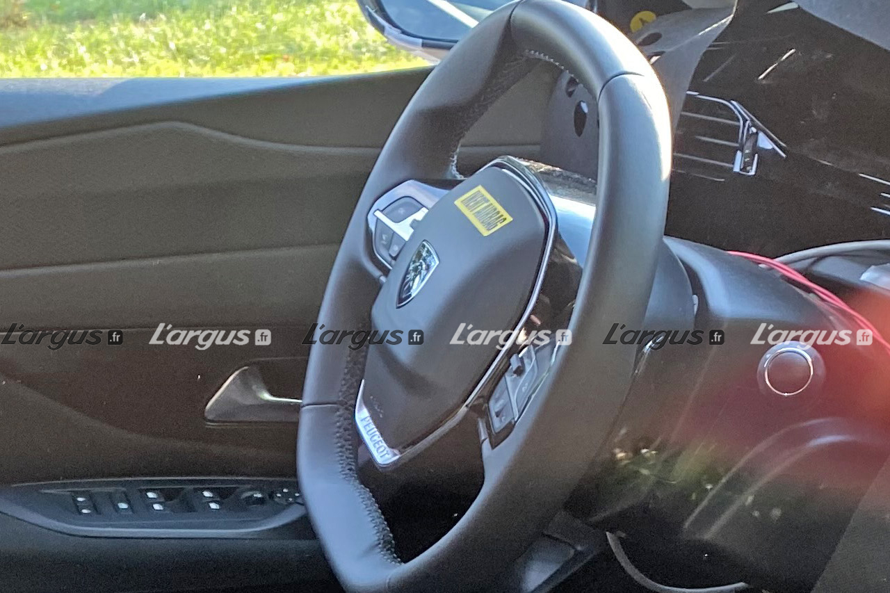 [Actualité] Groupe Stellantis - Page 38 Peugeot-308-2021-volant-newlogo_1