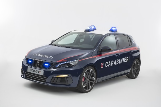 les carabinieri re oivent une peugeot 308 gti l 39 argus. Black Bedroom Furniture Sets. Home Design Ideas