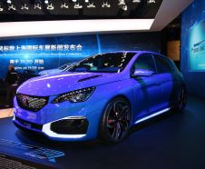 Peugeot 308 R HYbrid Concept au salon de Shanghai 2015