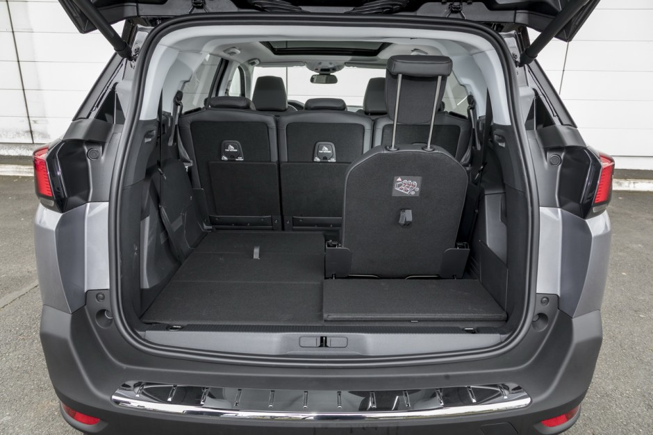 essai comparatif le peugeot 5008 d fie le renault grand. Black Bedroom Furniture Sets. Home Design Ideas