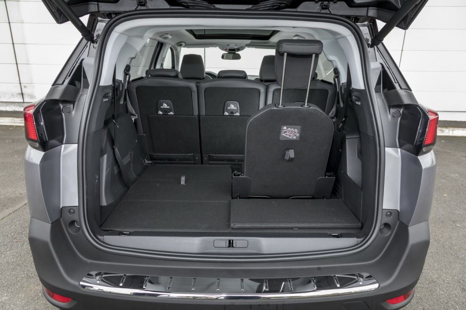 essai comparatif le peugeot 5008 d fie le renault grand sc nic photo 31 l 39 argus. Black Bedroom Furniture Sets. Home Design Ideas
