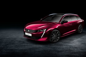 Peugeot 508 SW rouge illustration