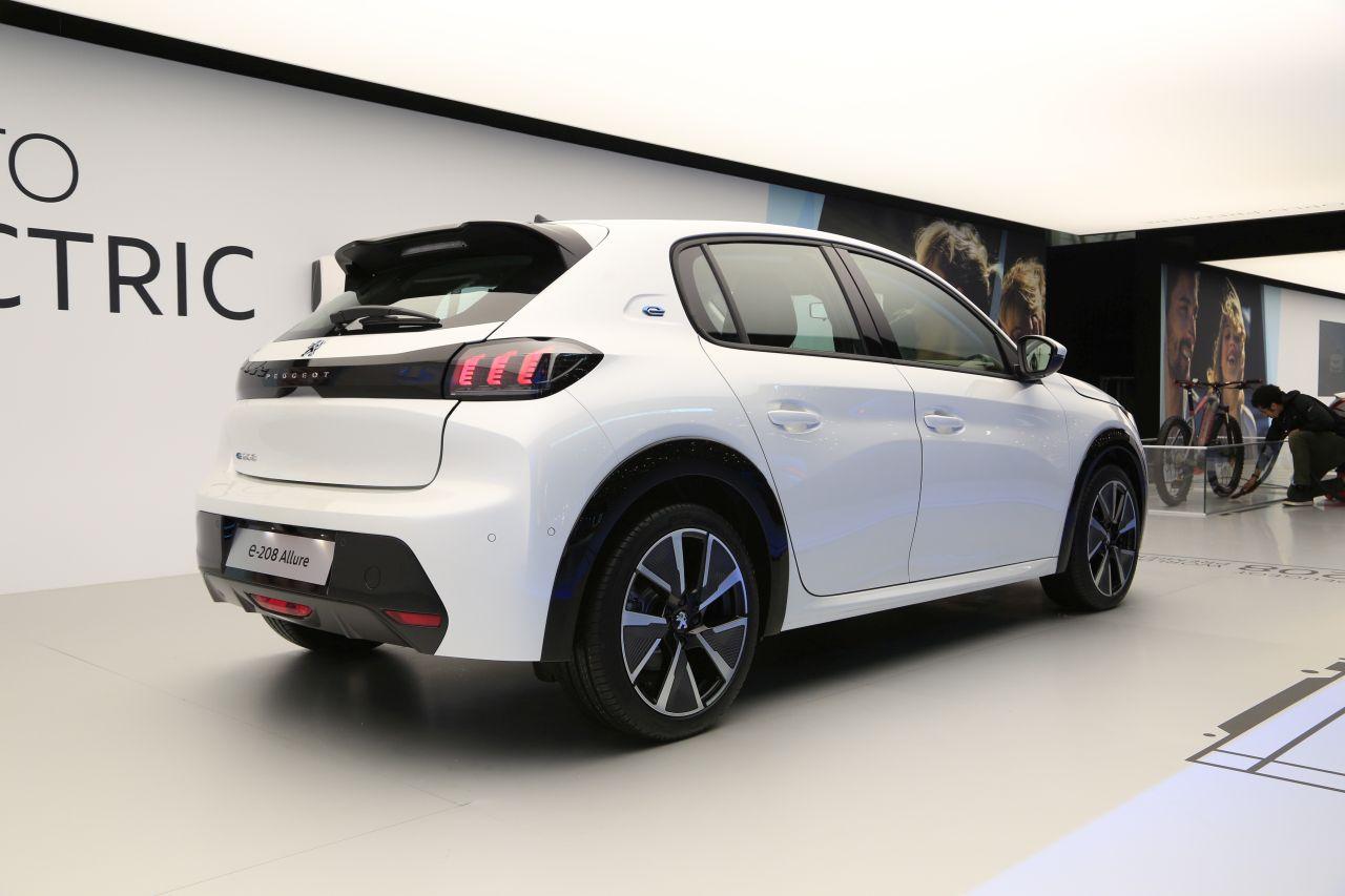 Peugeot e-208 : découvrez la gamme et les prix de la 208 ...