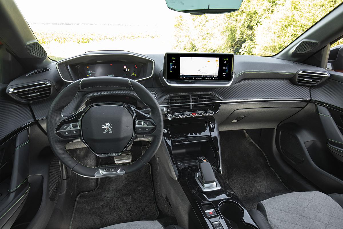 2019 - [Peugeot] 208 II (P21) - Page 15 Peugeot-e208-gt-2019-03