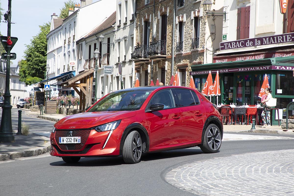 2019 - [Peugeot] 208 II (P21) - Page 15 Peugeot-e208-gt-2019-19