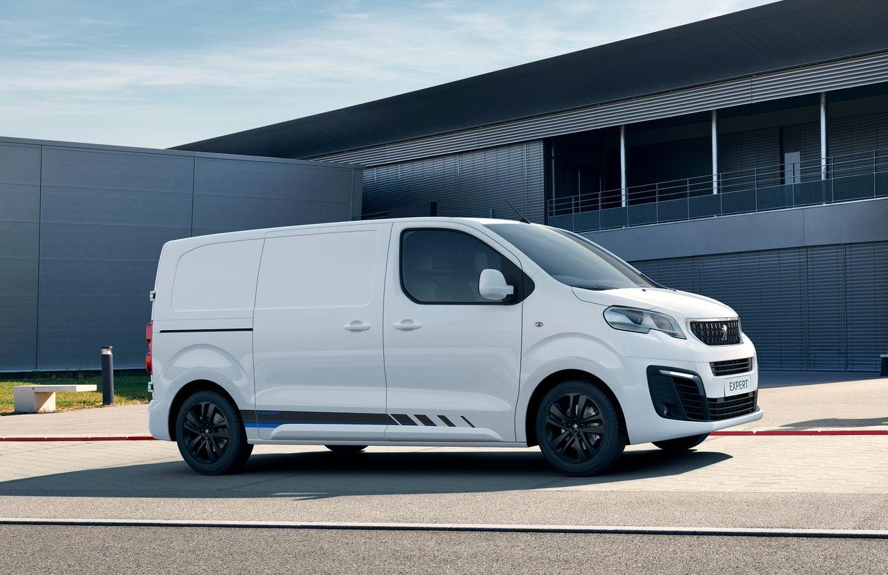 2016 - [Citroën/Peugeot/Toyota] SpaceTourer/Traveller/ProAce - Page 38 Peugeot-expert-pack-sport-2019-1