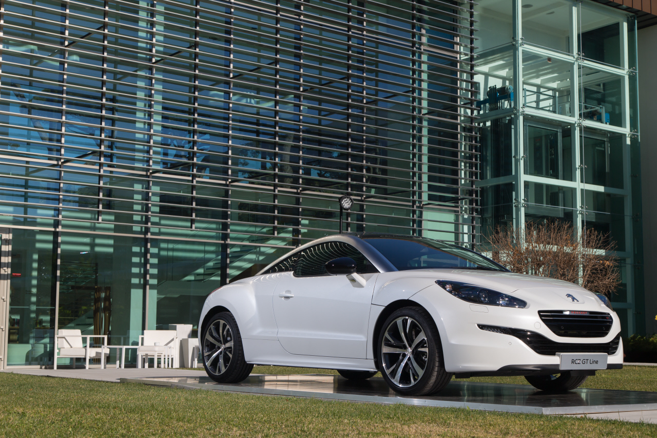 peugeot rcz gt line 2015 un arri re go t de rcz r l 39 argus. Black Bedroom Furniture Sets. Home Design Ideas