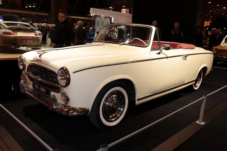 r tromobile 2017 tous les mod les du stand peugeot peugeot 403 cabriolet grand luxe 1960. Black Bedroom Furniture Sets. Home Design Ideas
