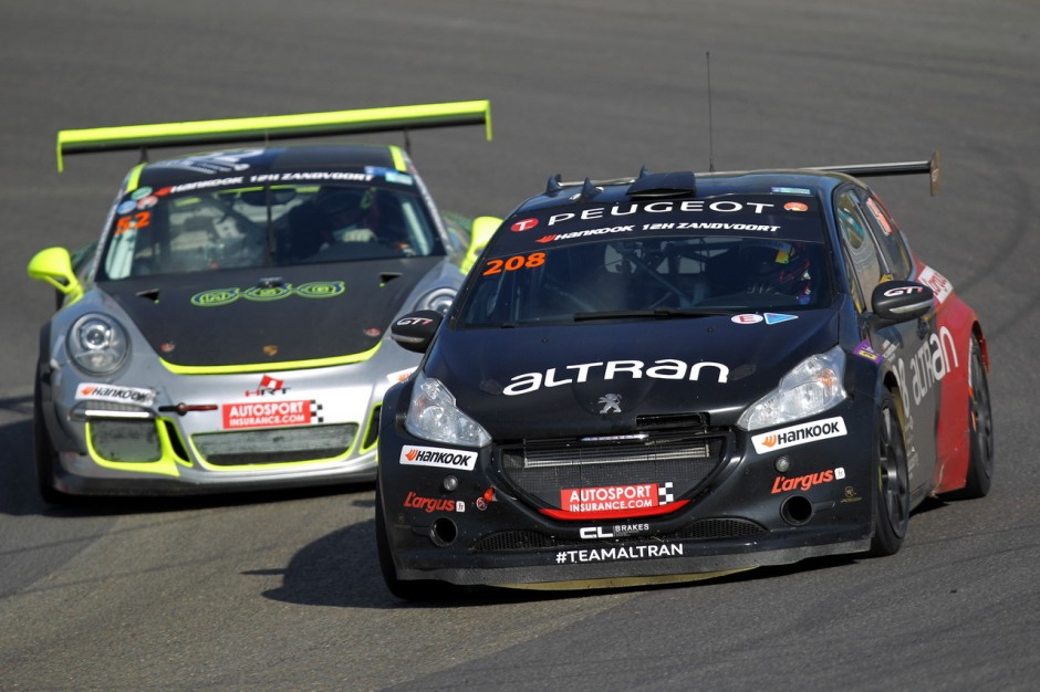 l 39 argus aux 12h de zandvoort 2015 en peugeot 208 gti de 300 ch photo 2 l 39 argus. Black Bedroom Furniture Sets. Home Design Ideas