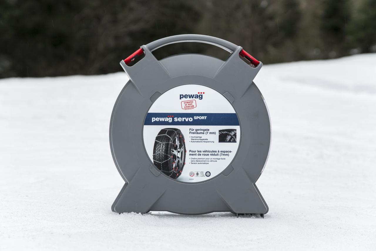 hiver bien s 39 quiper en cha nes pour rouler sur la neige photo 18 l 39 argus. Black Bedroom Furniture Sets. Home Design Ideas