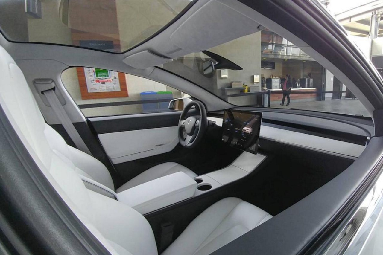 photo interieur Tesla Model 3