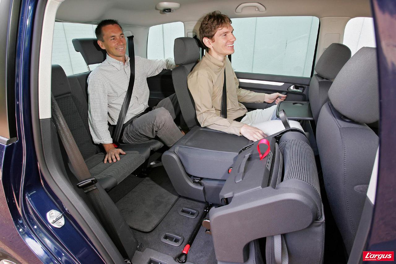 Volkswagen touran laquelle choisir for Touran interieur 7 places