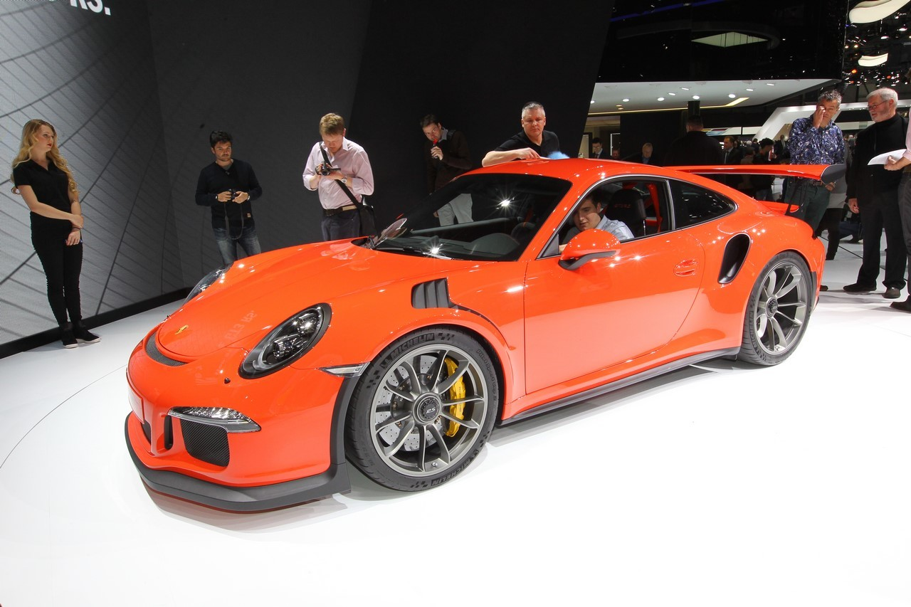 prix porsche 911 gt3 rs 2015 l 39 exclusivit pour 185 000 euros photo 1 l 39 argus. Black Bedroom Furniture Sets. Home Design Ideas