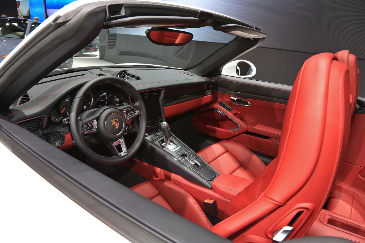 detroit 2016 porsche 911 turbo et turbo s toujours plus puissantes photo 4 l 39 argus. Black Bedroom Furniture Sets. Home Design Ideas