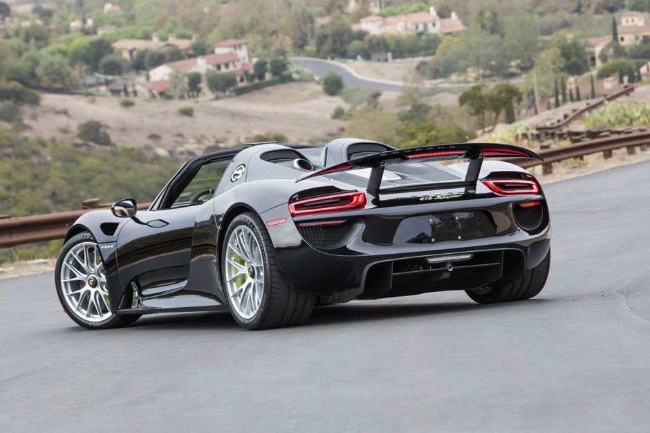 deux porsche 918 spyder et 911 r assorties vendre photo 15 l 39 argus. Black Bedroom Furniture Sets. Home Design Ideas