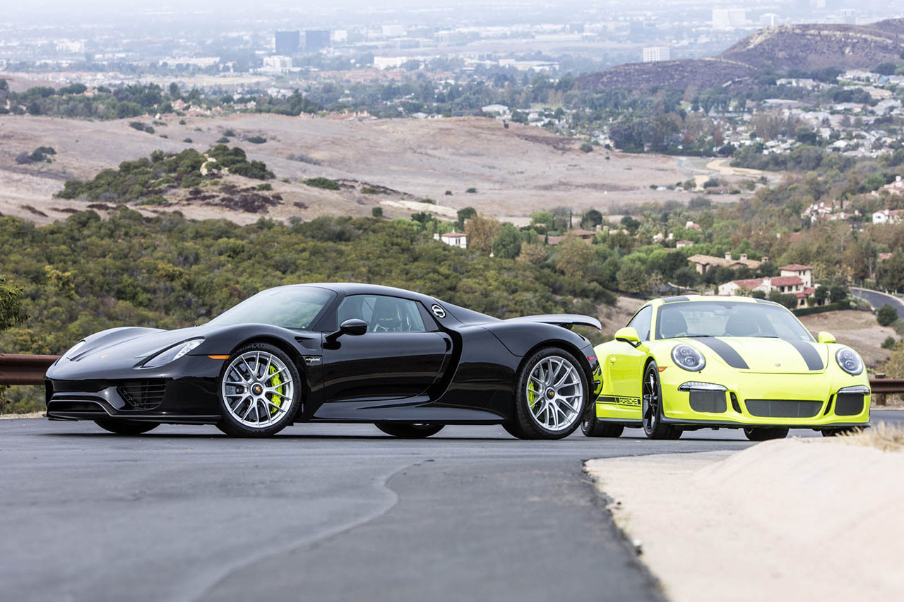 Deux Porsche 918 Spyder et 911 R assorties à vendre