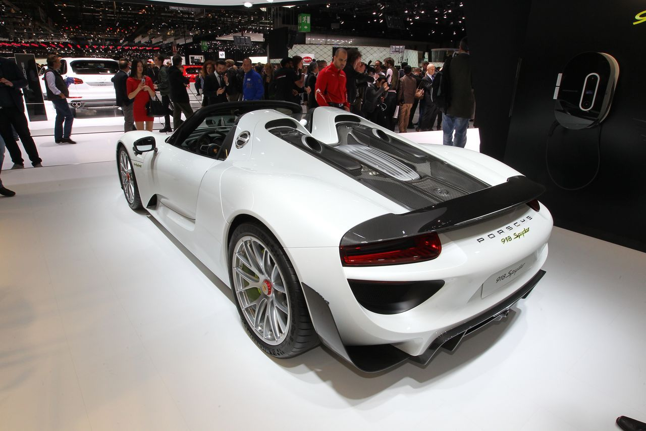 918 spyder la porsche la plus ch re du salon de gen ve 2015 photo 1 l 39 argus. Black Bedroom Furniture Sets. Home Design Ideas