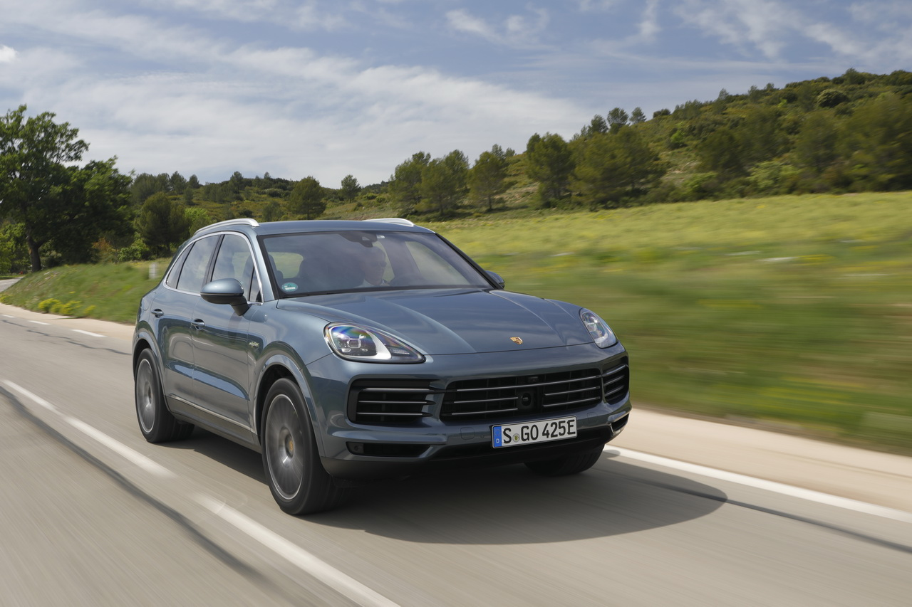 essai porsche cayenne e hybrid 2018 le test du cayenne hybride photo 1 l 39 argus. Black Bedroom Furniture Sets. Home Design Ideas