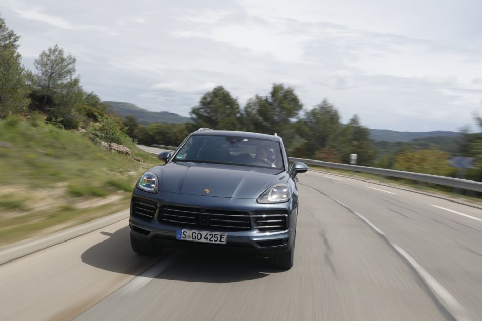 essai porsche cayenne e hybrid 2018 le test du cayenne hybride photo 5 l 39 argus. Black Bedroom Furniture Sets. Home Design Ideas