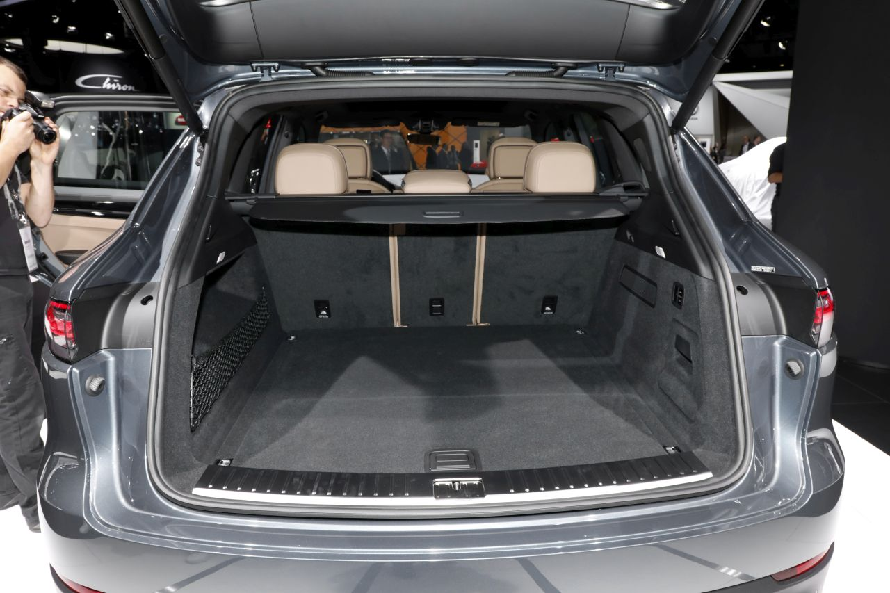 porsche cayenne 2017 le nouveau cayenne 3 au salon de francfort photo 15 l 39 argus. Black Bedroom Furniture Sets. Home Design Ideas