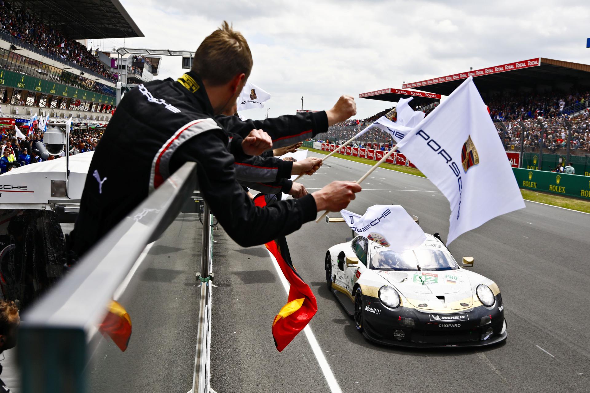 """Porsche met en ligne le documentaire """"Endurance"""" sur YouTube et Amazon"""