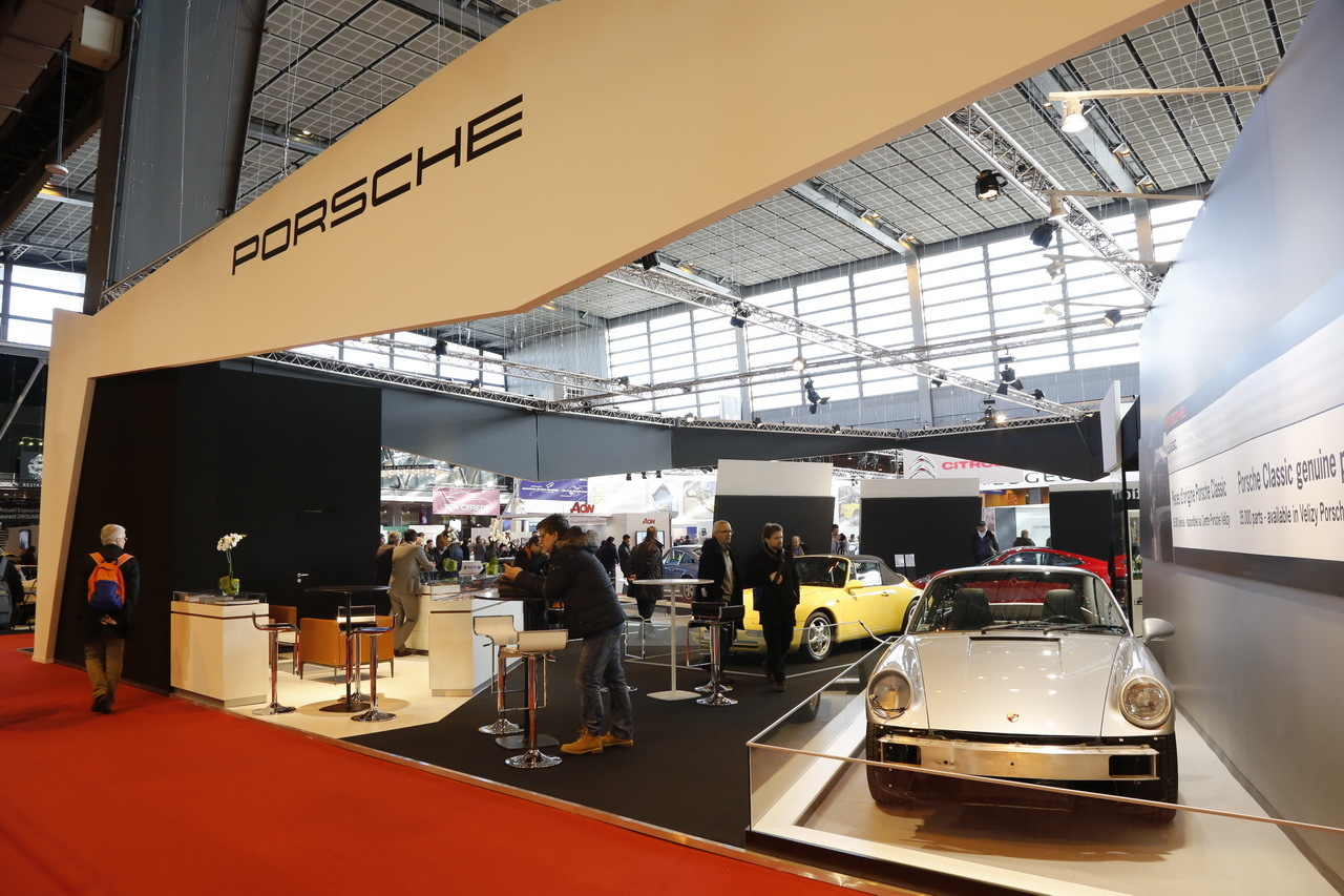 r tromobile 2015 photos et vid os du stand porsche l 39 argus. Black Bedroom Furniture Sets. Home Design Ideas