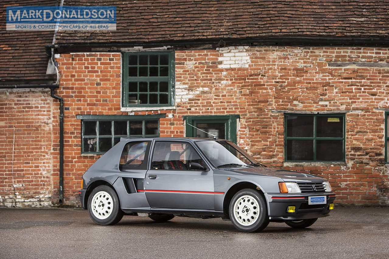 une peugeot 205 turbo 16 de route sur le march l 39 argus. Black Bedroom Furniture Sets. Home Design Ideas