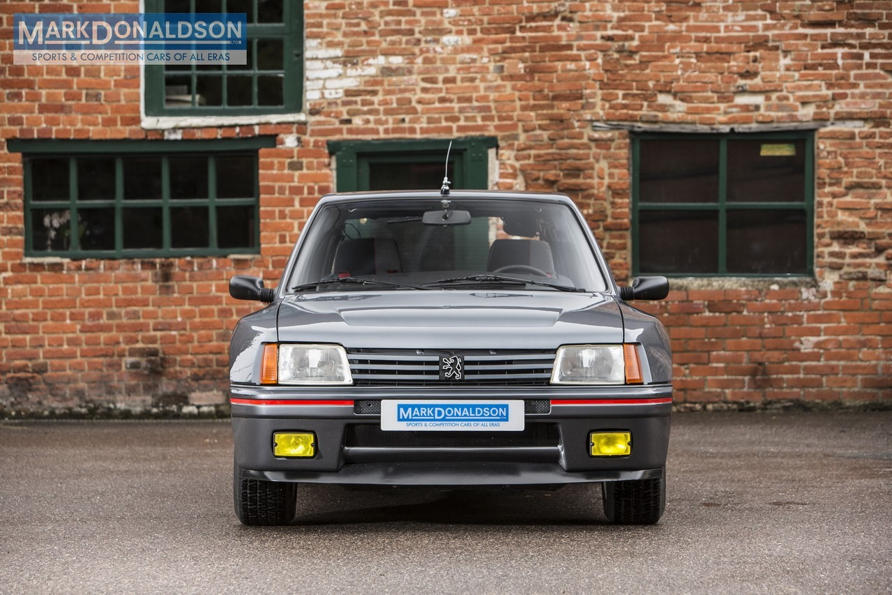 une peugeot 205 turbo 16 de route sur le march photo 2 l 39 argus. Black Bedroom Furniture Sets. Home Design Ideas