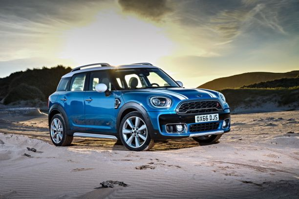 3/4 avant Mini Countryman 2 ALL4 line (2017)
